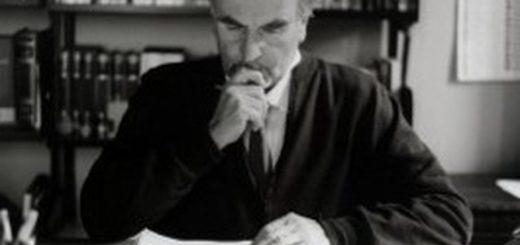Eugenio Corti nel suo studio